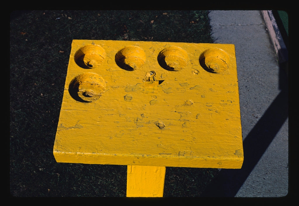 8 x 12 Photo of Drink stand rest, mini golf a Lucy's Amusement Park, Minot, North Dakota 1987 Margolies, John 95a