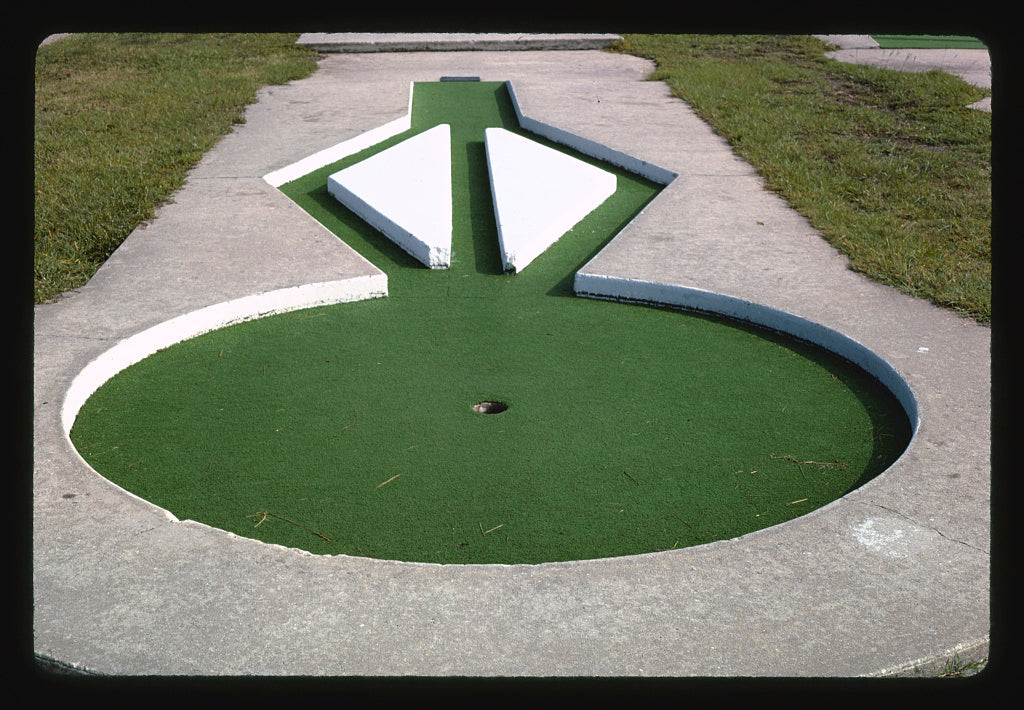 8 x 12 Photo of Through triangles, Jekyll Island mini golf, Jekyll Island, Georgia 1985 Margolies, John 67a