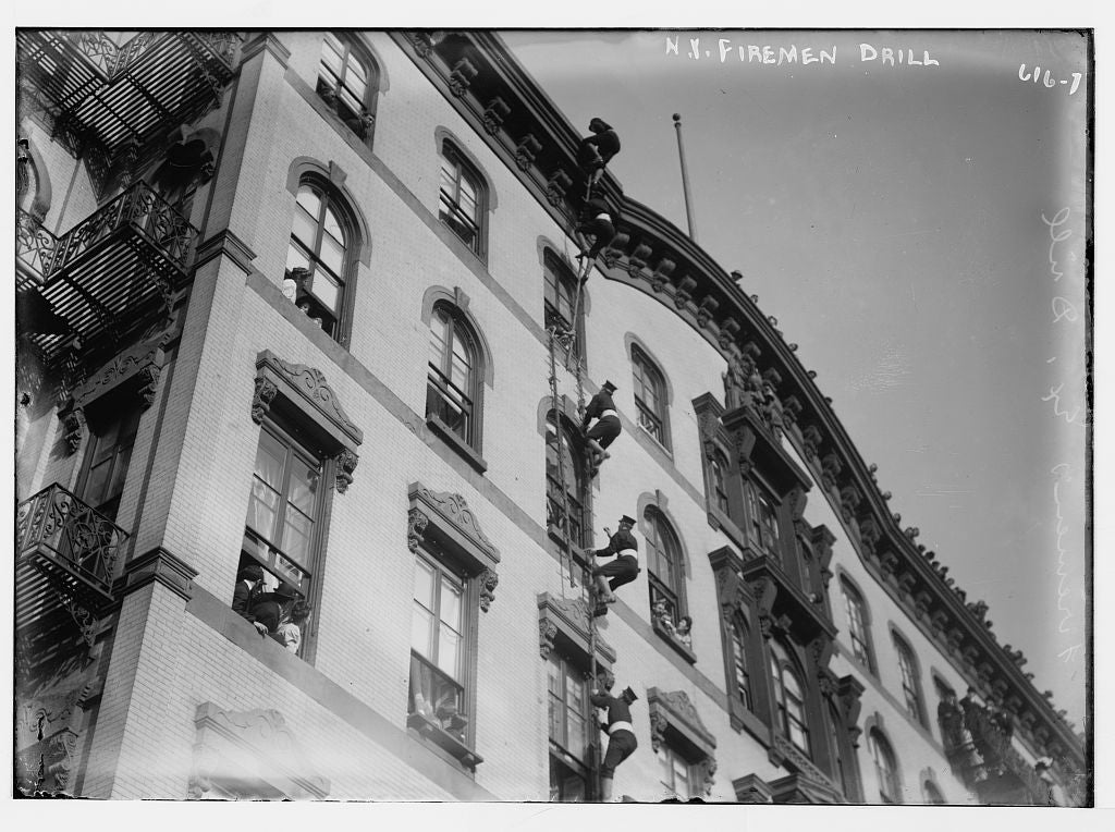 8 x 10 Photo of N.Y. Fireman drill, climbing up side of bldg, New York 1890-1920 G. Bain Collection 10a