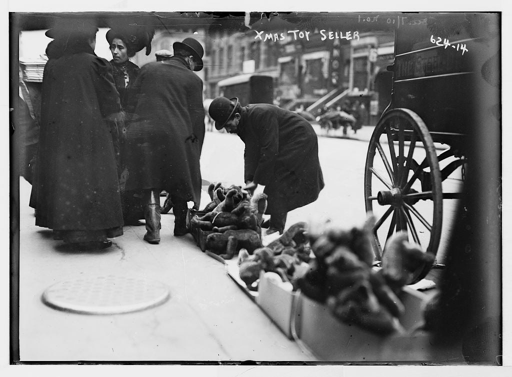 8 x 10 Photo of Vendor of Christmas toys, 6th Ave., New York 1890-1920 G. Bain Collection 44a