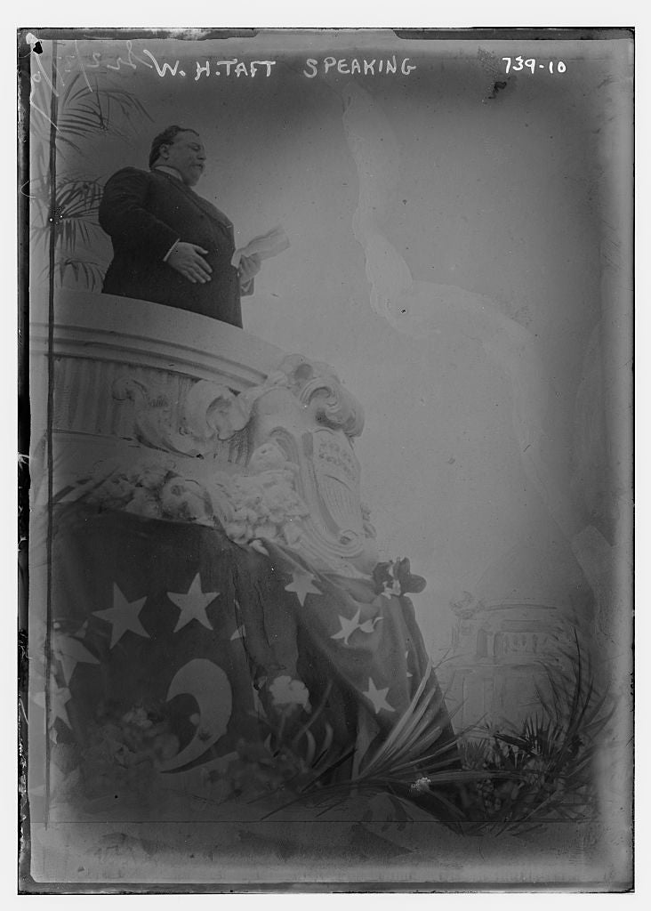 8 x 10 Photo of W.H. Taft, speaking from dais 1890-1920 G. Bain Collection 95a
