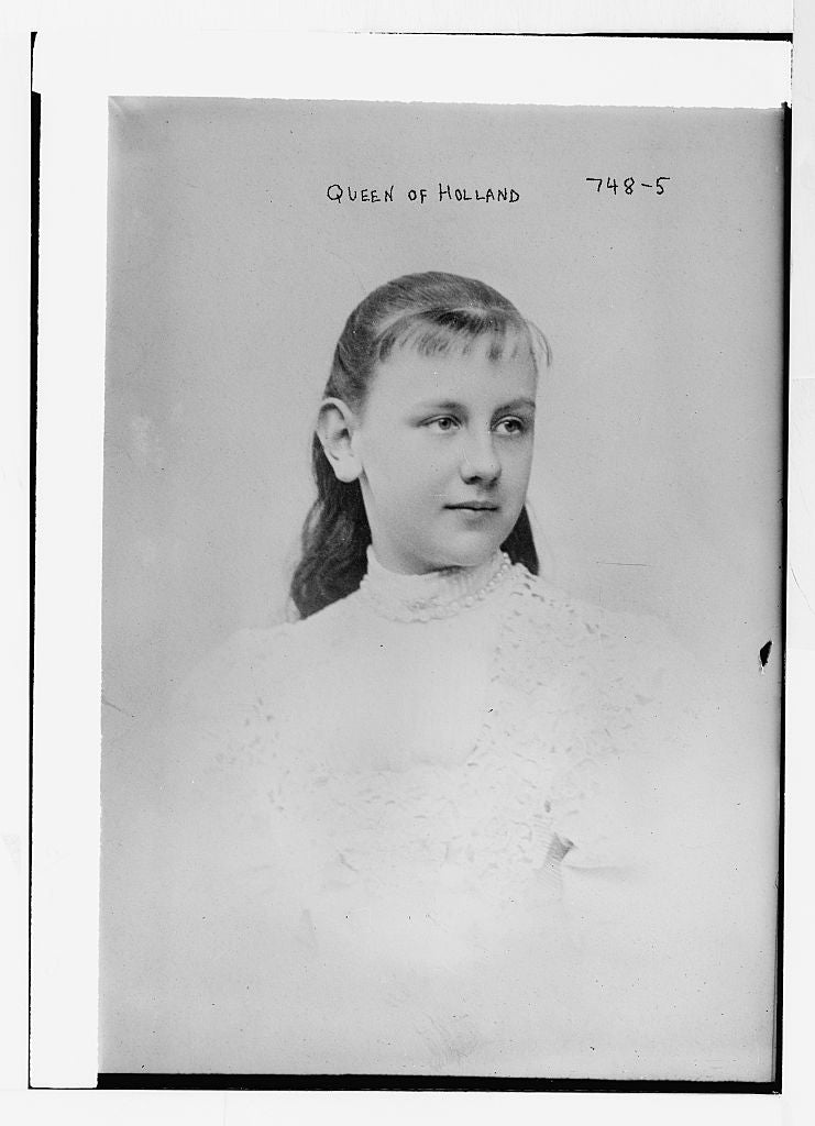 8 x 10 Photo of Queen of Holland 1890-1920 G. Bain Collection 20a