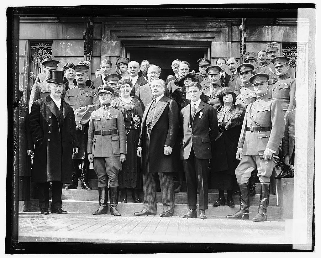 16 x 20 Reprinted Old Photo ofUnidentified group of men and women standing on steps of building, 3/14/21 1921 National Photo Co  55a