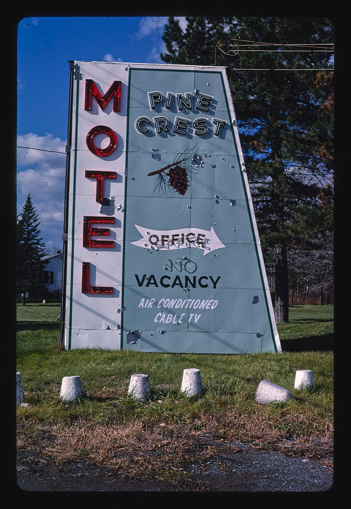 8 x 12 Photo of Pine Crest Motel sign, Route 5, New Hartford, New York 1987 Margolies, John 76a