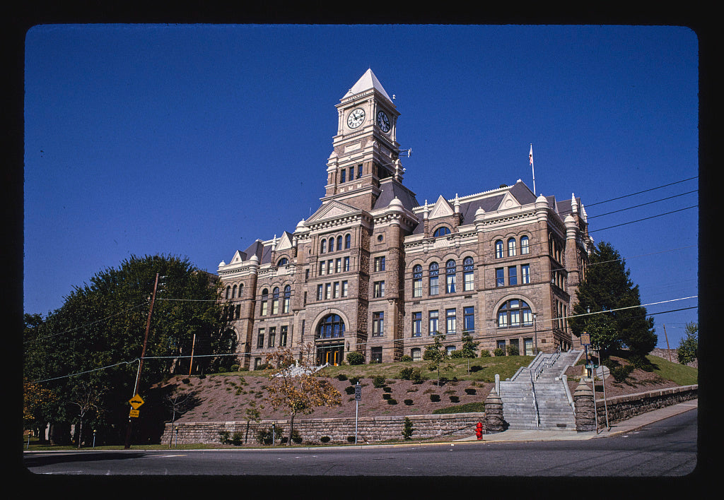 8 x 12 Photo of Schuylkill County Courthouse, Pottsville, Pennsylvania 1995 Margolies, John 17a
