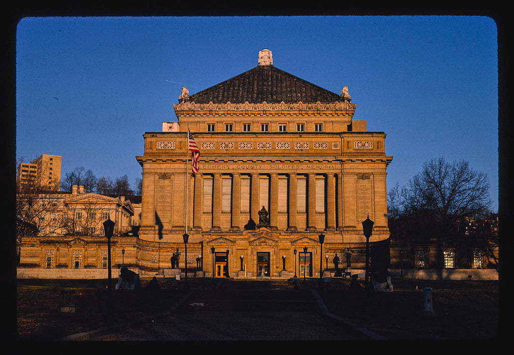 8 x 12 Photo of Aleghany County Soldiers Memorial, 5th Avenue, Pittsburgh, Pennsylvania 1989 Margolies, John 52a