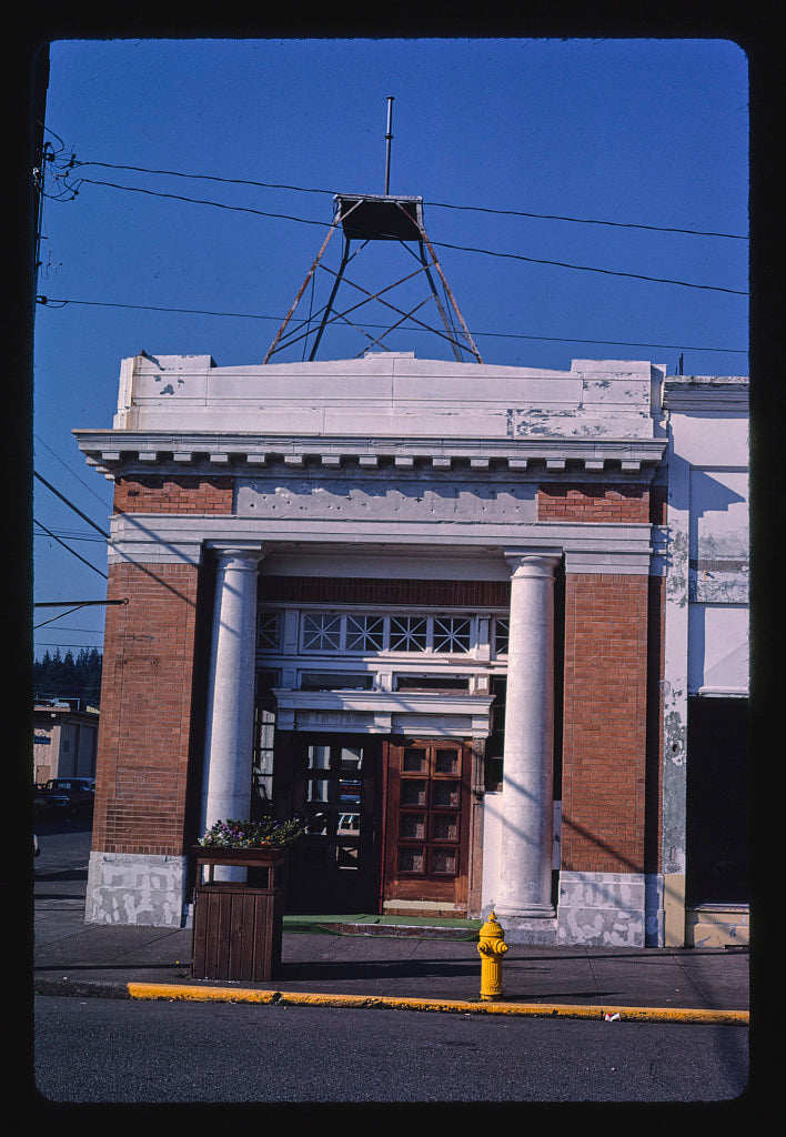 8 x 12 Photo of Bank, Main Street, Elma, Washington 1987 Margolies, John 40a