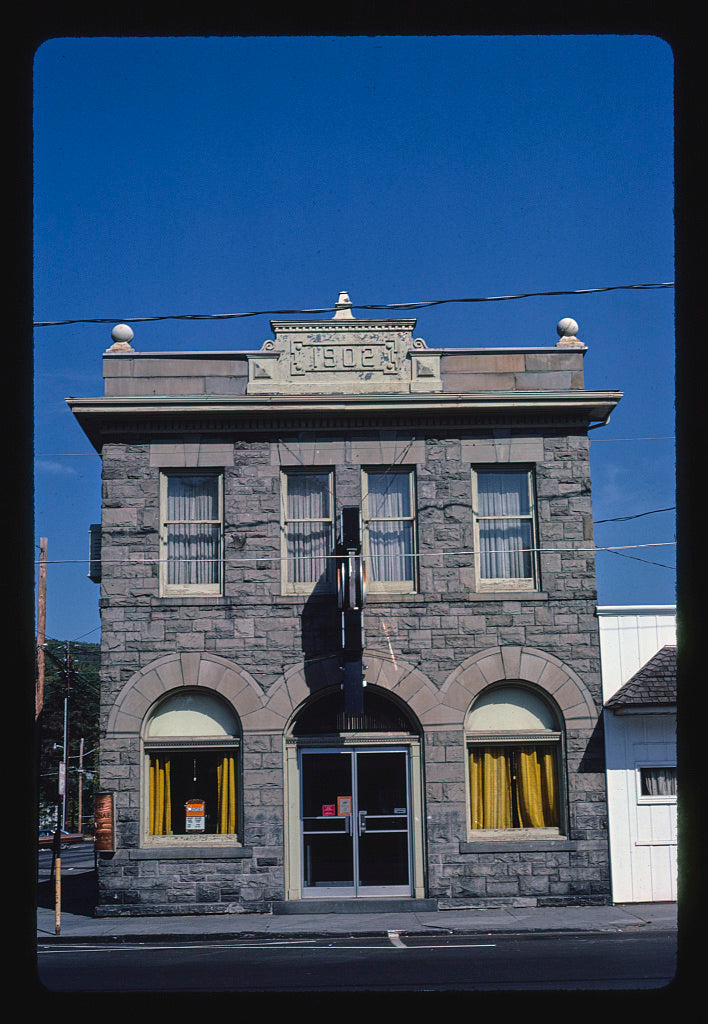 8 x 12 Photo of  First State Bank, Main Street, Hawley, Pennsylvania  1984 Margolies, John 71a