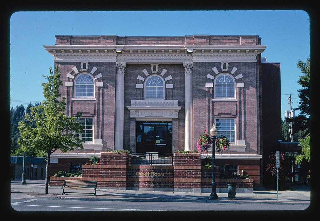 8 x 12 Photo of  Masonic Temple, Sherman Avenue, Coeur d'Alene, Idaho  2004 Margolies, John 71a