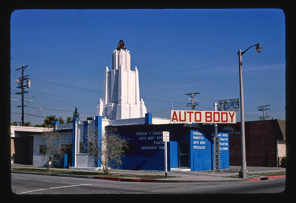 8 x 12 Photo of Tom's Auto Body, 7229 West Melrose, Los Angeles, California 1977 Margolies, John 39a