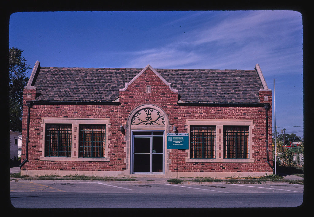 8 x 12 Photo of  AG Service Center, 2nd Street, Ottawa, Kansas  1980 Margolies, John 81a