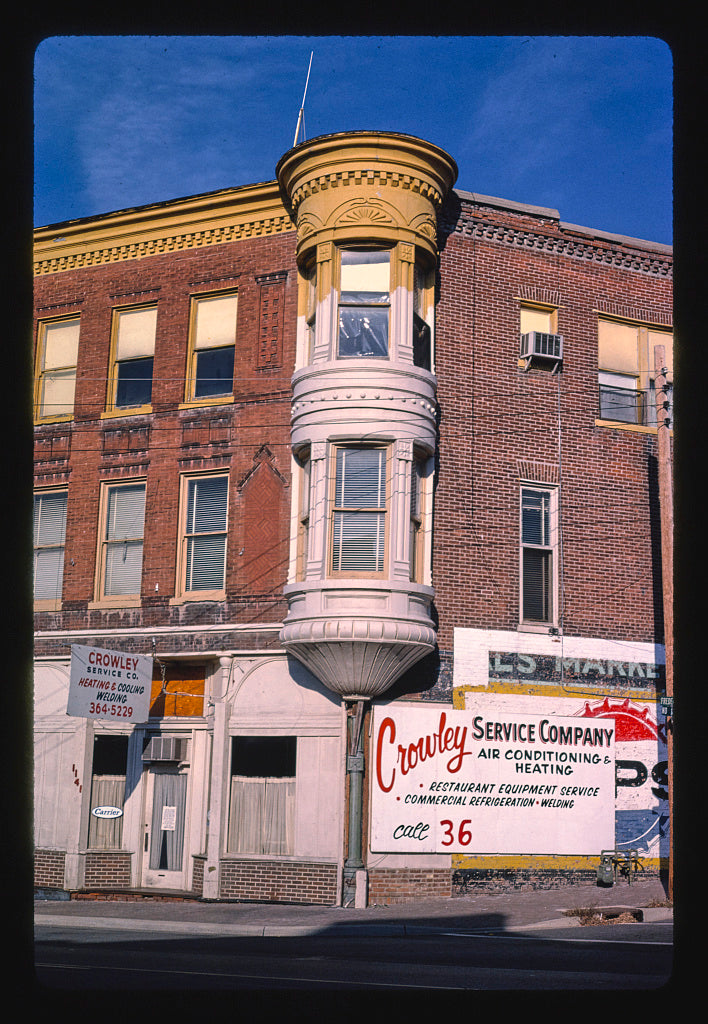 8 x 12 Photo of Crowley Service Co., Frederick Avenue, Saint Joseph, Missouri 1988 Margolies, John 87a