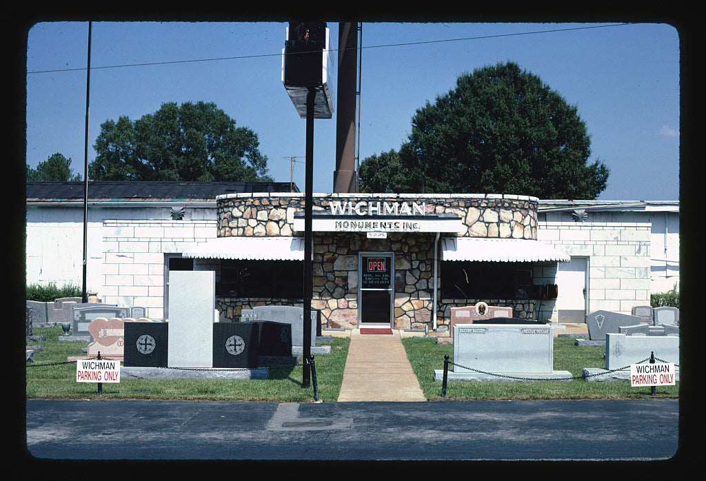 8 x 12 Photo of Wichman Monuments, Chattanooga, Tennessee, Chattanooga, Tennessee 1986 Margolies, John 04a