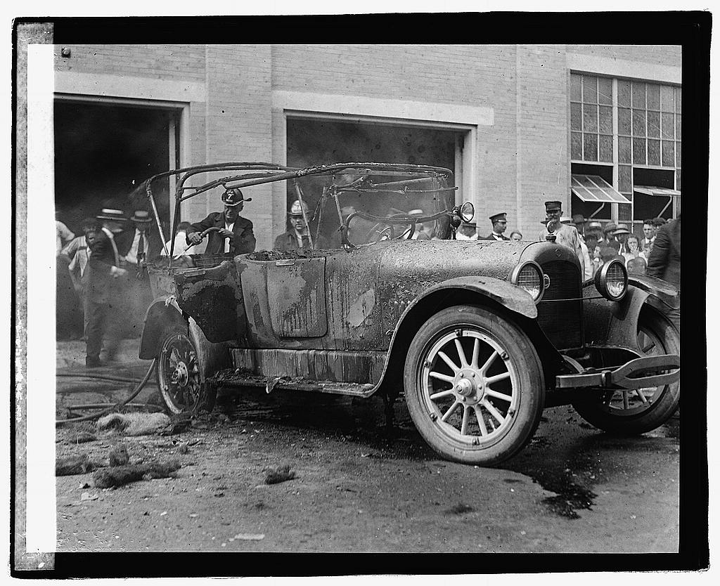 16 x 20 Reprinted Old Photo ofAuto fire 1921 National Photo Co  06a