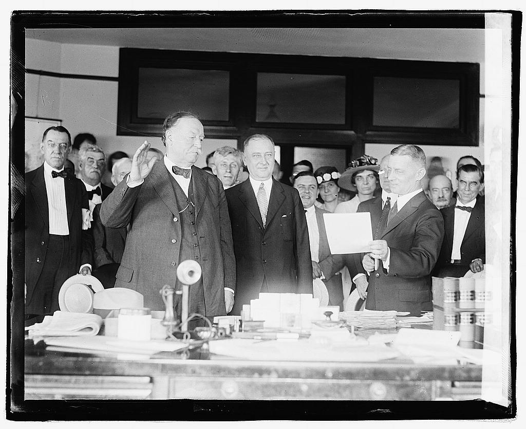 16 x 20 Reprinted Old Photo ofTaft swearing in 1921 National Photo Co  08a