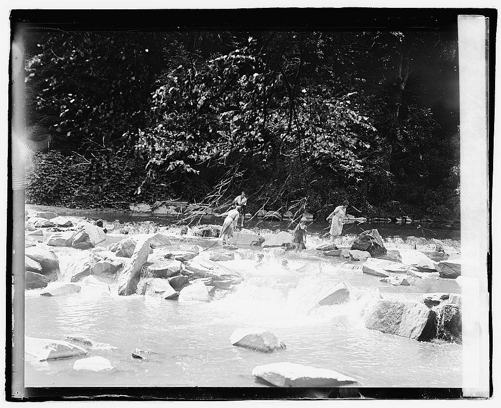 16 x 20 Reprinted Old Photo ofBathing, Rock Creek Park 1921 National Photo Co  56a