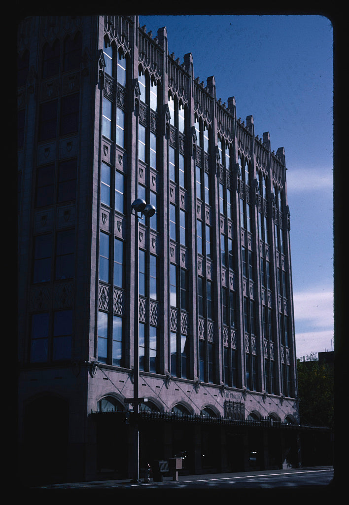 8 x 12 Photo of  Chronicle Building, Spokane, Washington  2003 Margolies, John 66a