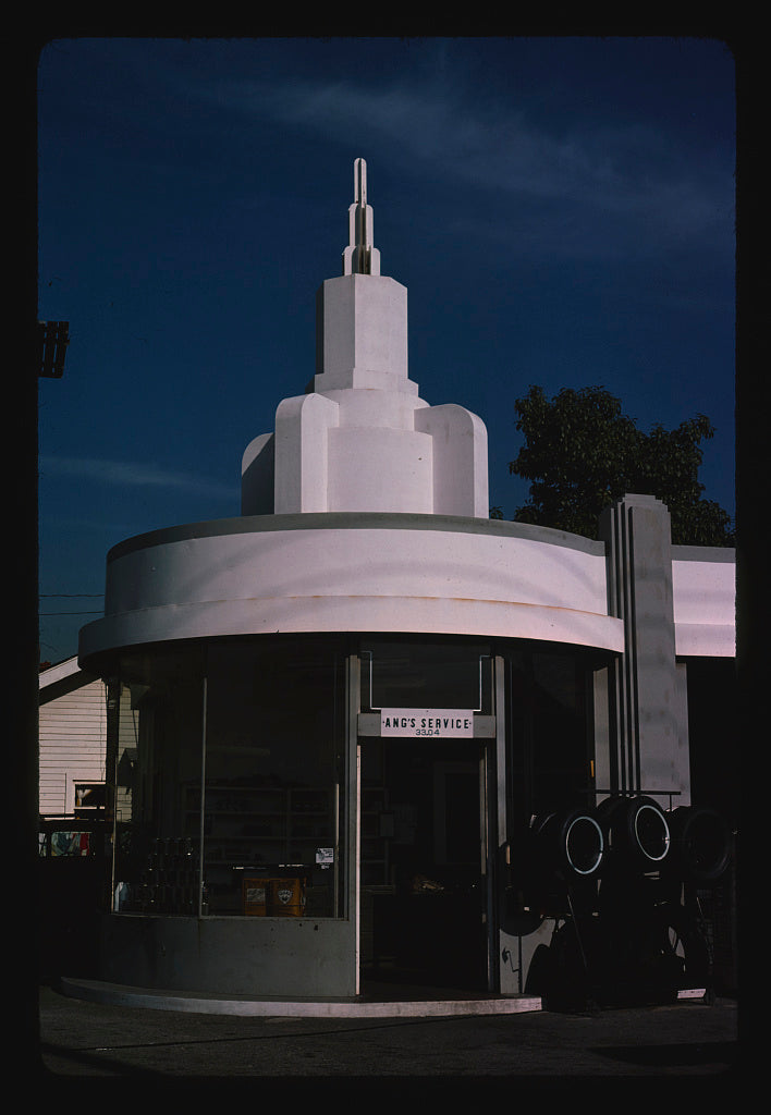 8 x 12 Photo of Ang's Service Mobil, Los Angeles, California 1977 Margolies, John 25a