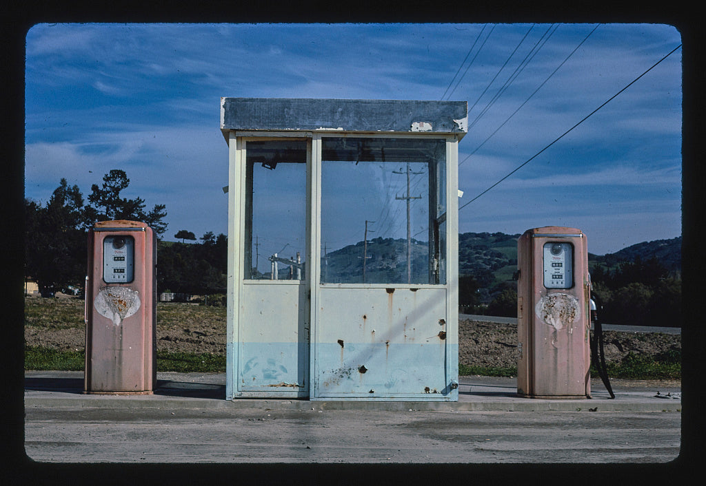 8 x 12 Photo of Gas station at Dining Cars Cafe, Buellton, California 1985 Margolies, John 39a