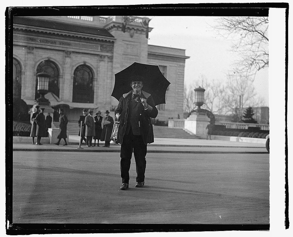 16 x 20 Reprinted Old Photo ofUnidentified man with umbrella standing in street with building in background, 12/15/21 1921 National Photo Co  61a