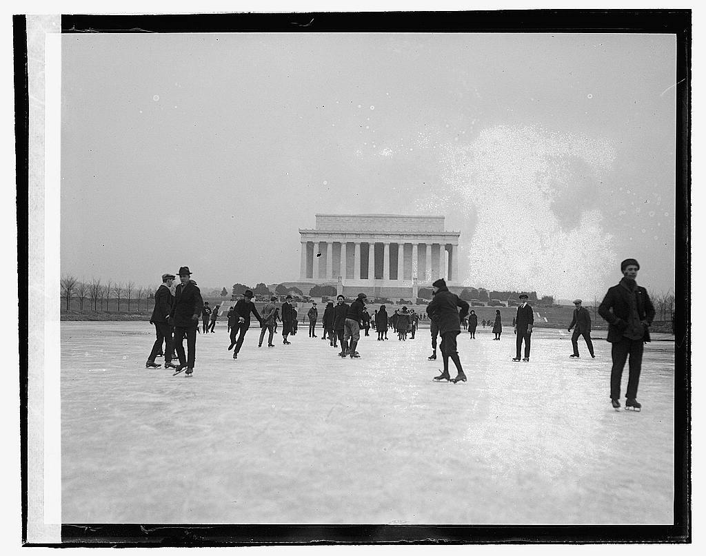 16 x 20 Reprinted Old Photo ofLincoln Memorial, 1/27/22 1922 National Photo Co  18a
