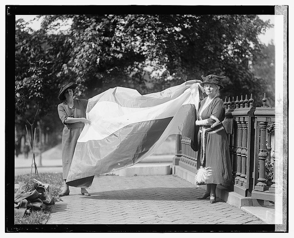 16 x 20 Gallery Wrapped Frame Art Canvas Print of Mrs. Boeckel & Mrs. Jno. Fay White 1922 National Photo Co  40a