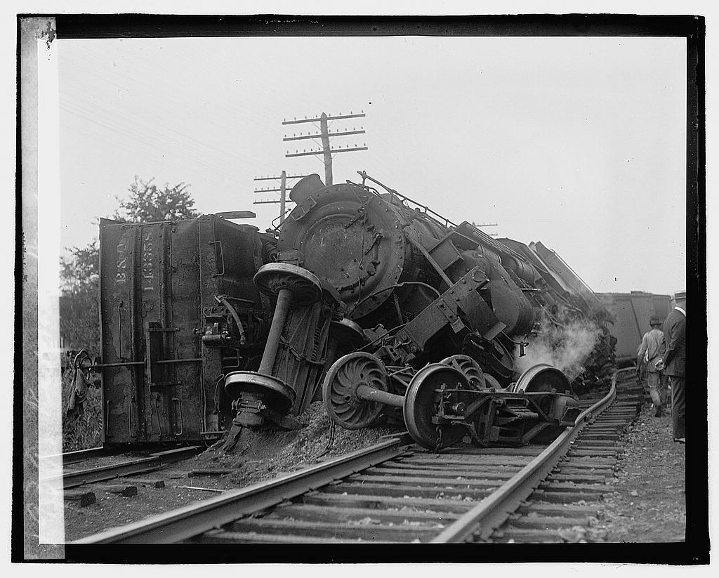 16 x 20 Reprinted Old Photo ofRailroad wreck 1922 National Photo Co  71a