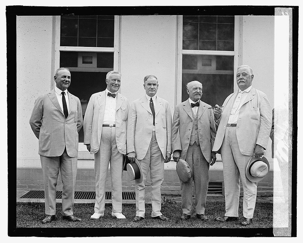 16 x 20 Reprinted Old Photo ofGroup of men standing on steps, 9/6/22 1922 National Photo Co  36a