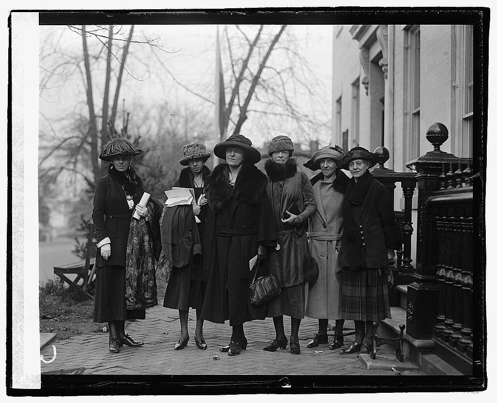 16 x 20 Reprinted Old Photo of Prominent women at equal rights conference at Woman's Party. L to R: Mrs. Agnes Morey, Brookline, Mass.; Miss Katherine Morey, Brookline, Mas 1922 National Photo Co  60a