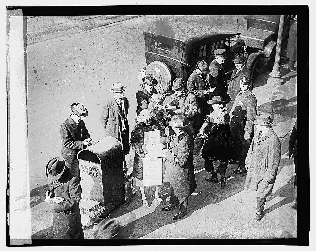 16 x 20 Gallery Wrapped Frame Art Canvas Print of Mayor Harley voting met, 1/12/23 1923 National Photo Co  98a
