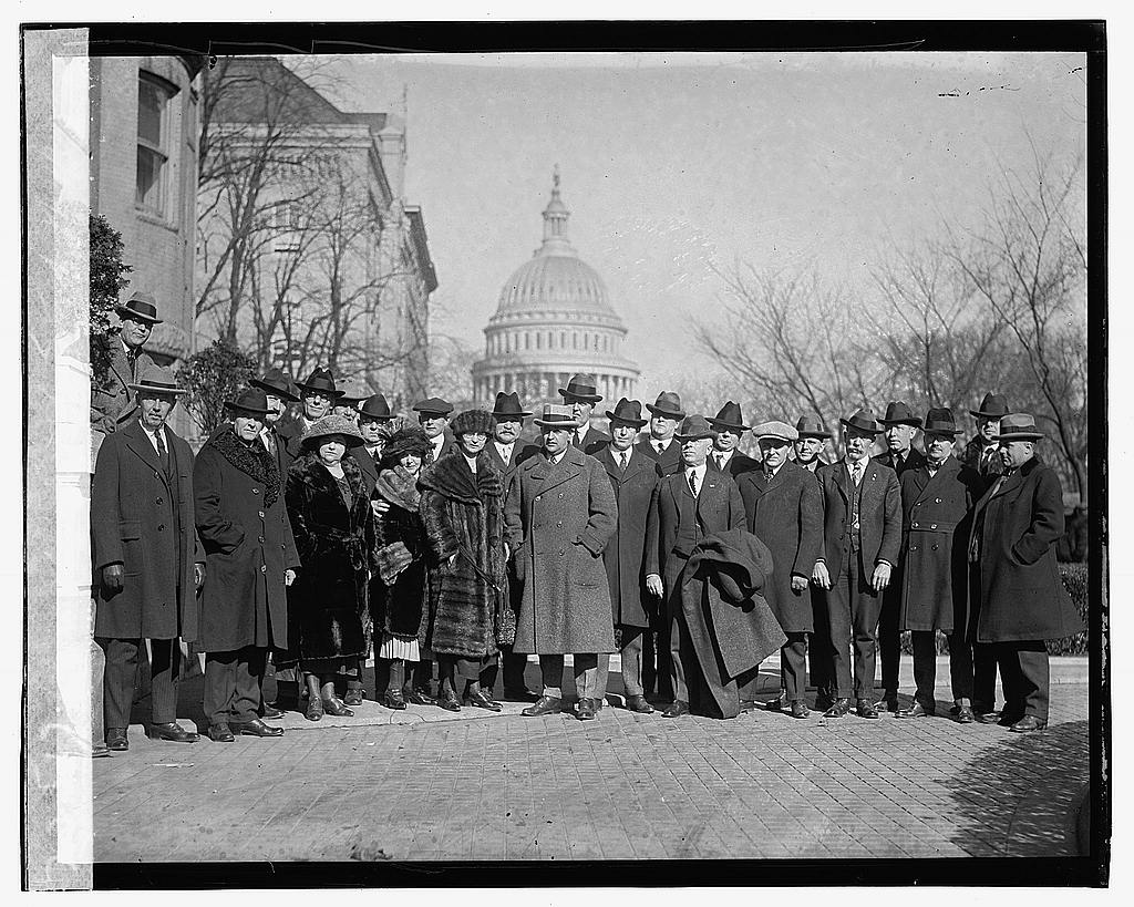 16 x 20 Gallery Wrapped Frame Art Canvas Print of Spanish War Vets group, 2/14/23 1923 National Photo Co  40a