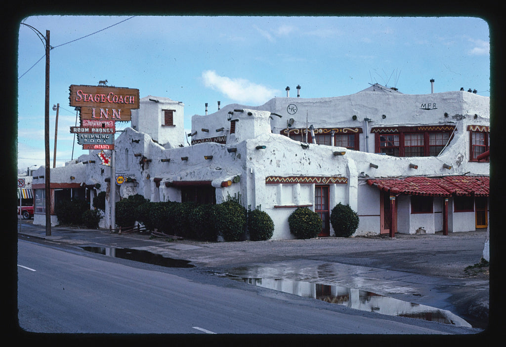 8 x 12 Photo of Stage Coach Inn, El Paso, Texas 1979 Margolies, John 18a