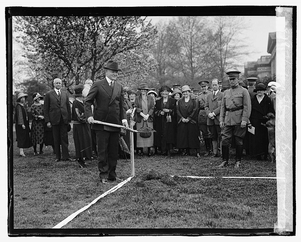16 x 20 Reprinted Old Photo ofHerbert Hoover breaking ground for model house 1923 National Photo Co  09a