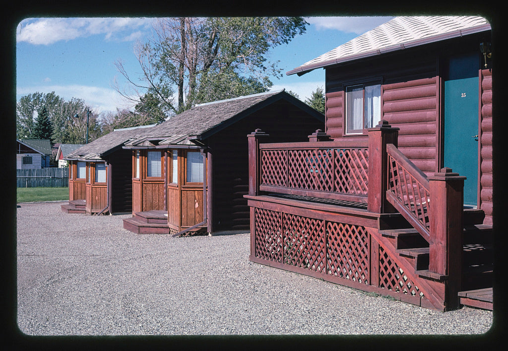 8 x 12 Photo of Carriage Motel Cabins, Cody, Wyoming 2004 Margolies, John 19a