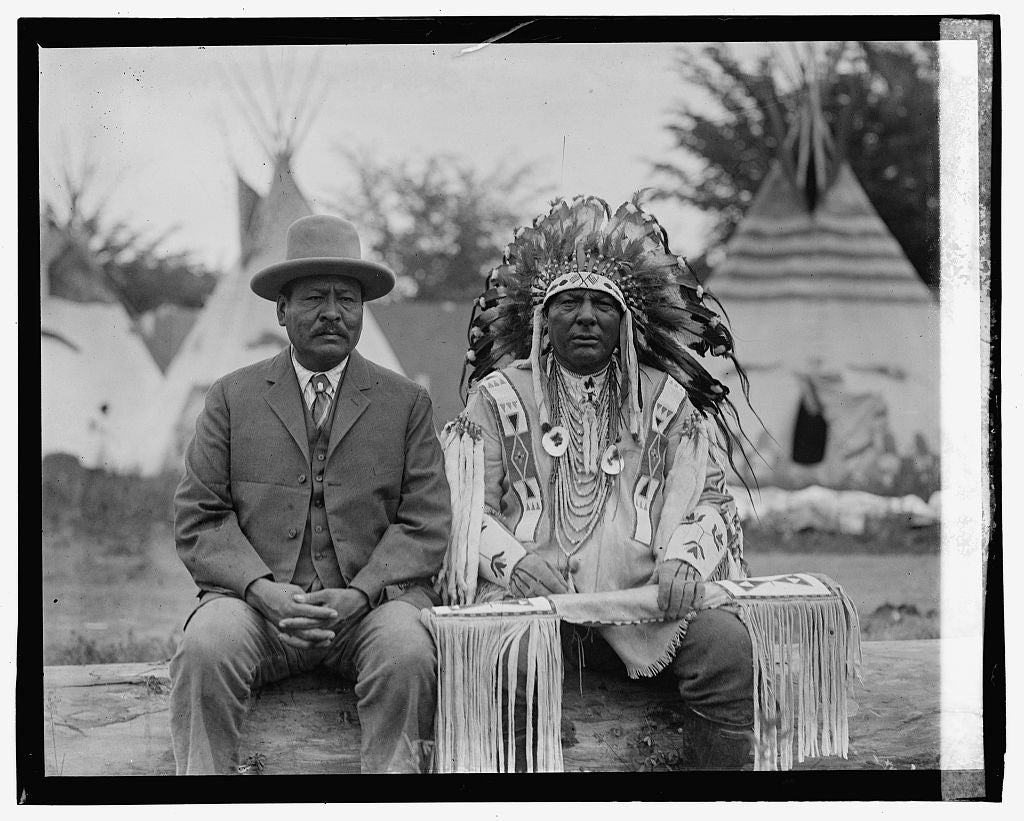 16 x 20 Gallery Wrapped Frame Art Canvas Print of Two native american men, one in traditional dress 1923 National Photo Co  60a