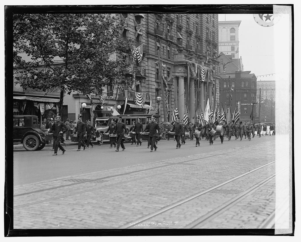 16 x 20 Gallery Wrapped Frame Art Canvas Print of G.A.R. Parade, 5/30/23 1923 National Photo Co  65a