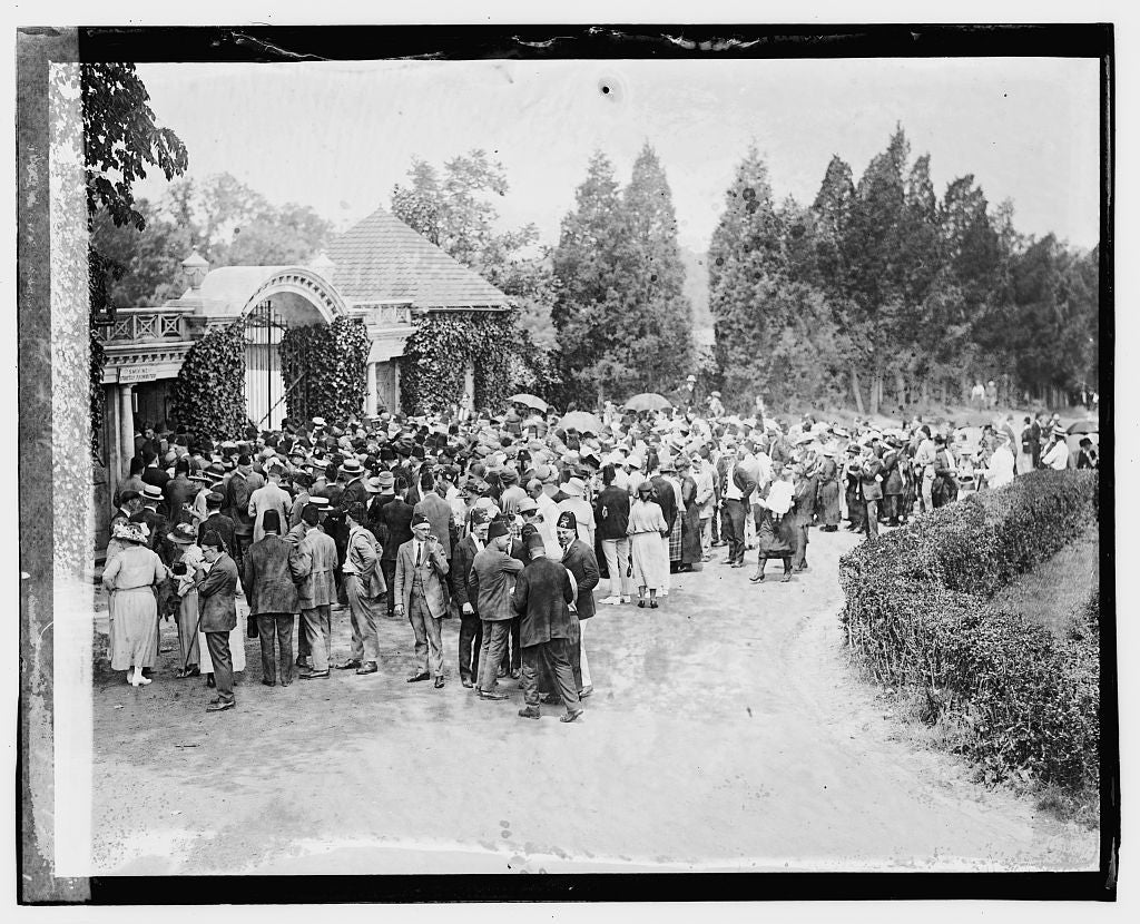 16 x 20 Gallery Wrapped Frame Art Canvas Print of Crowds at Mt. Vernon 1923 National Photo Co  61a
