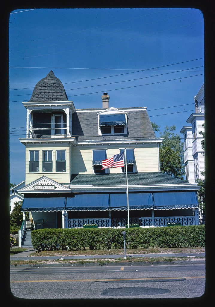 8 x 12 Photo of Colonial Hotel, Cape May, New Jersey 1978 Margolies, John 69a