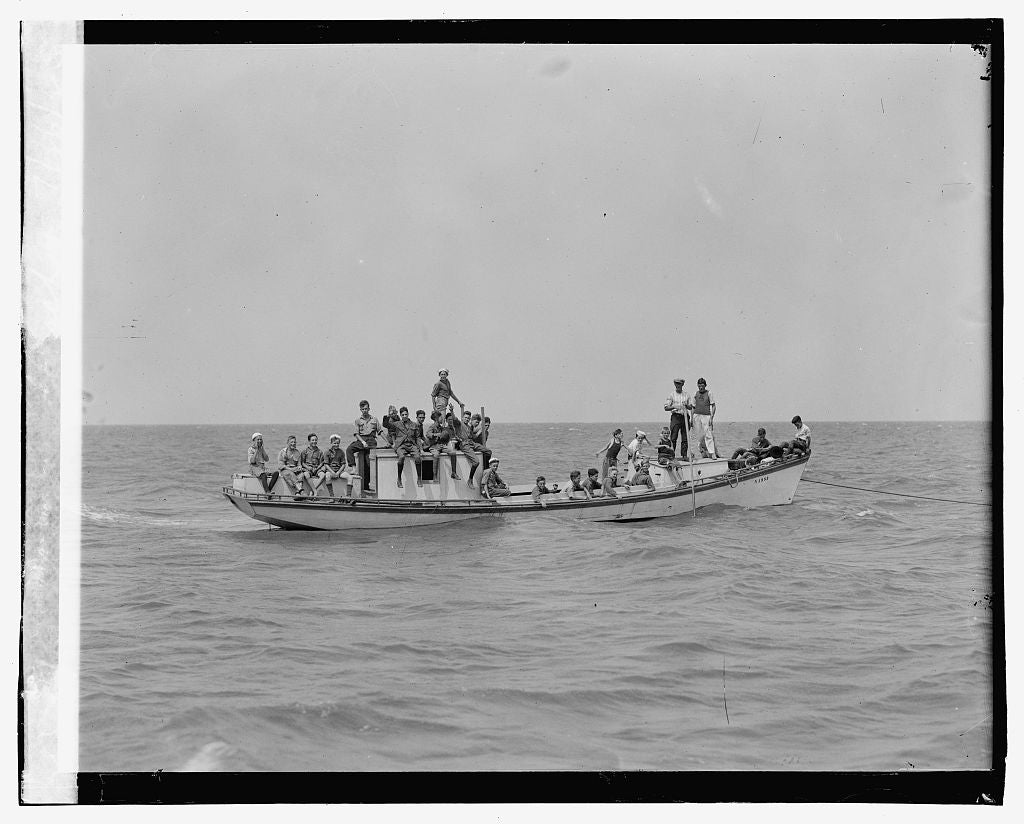 16 x 20 Gallery Wrapped Frame Art Canvas Print of Group of boys on boat 1923 National Photo Co  72a