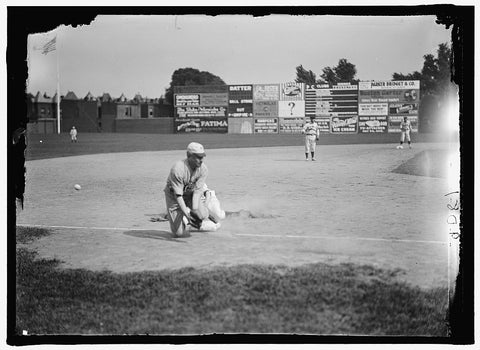 8 x 10 Reprinted Old Photo of Baseball, Congressional. Game 1917 Harris & Ewing 16a