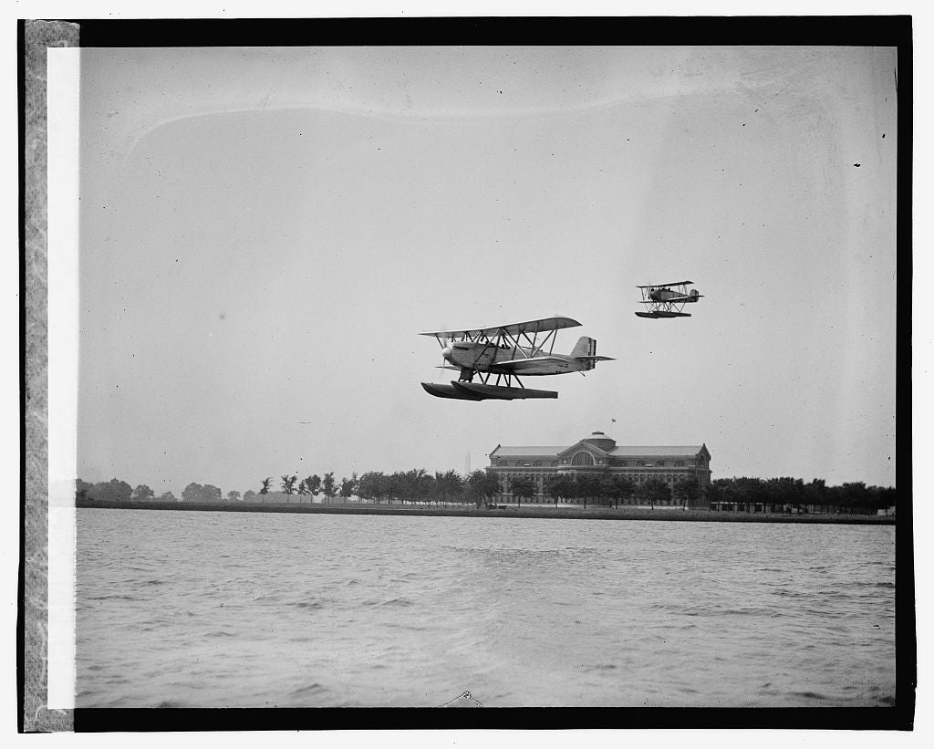 16 x 20 Gallery Wrapped Frame Art Canvas Print of Naval submarine plane, 7/27/23 1923 National Photo Co  91a