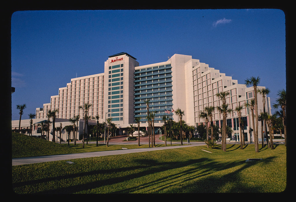 8 x 12 Photo of Marriott Hotel, Daytona Beach, Florida 1990 Margolies, John 64a