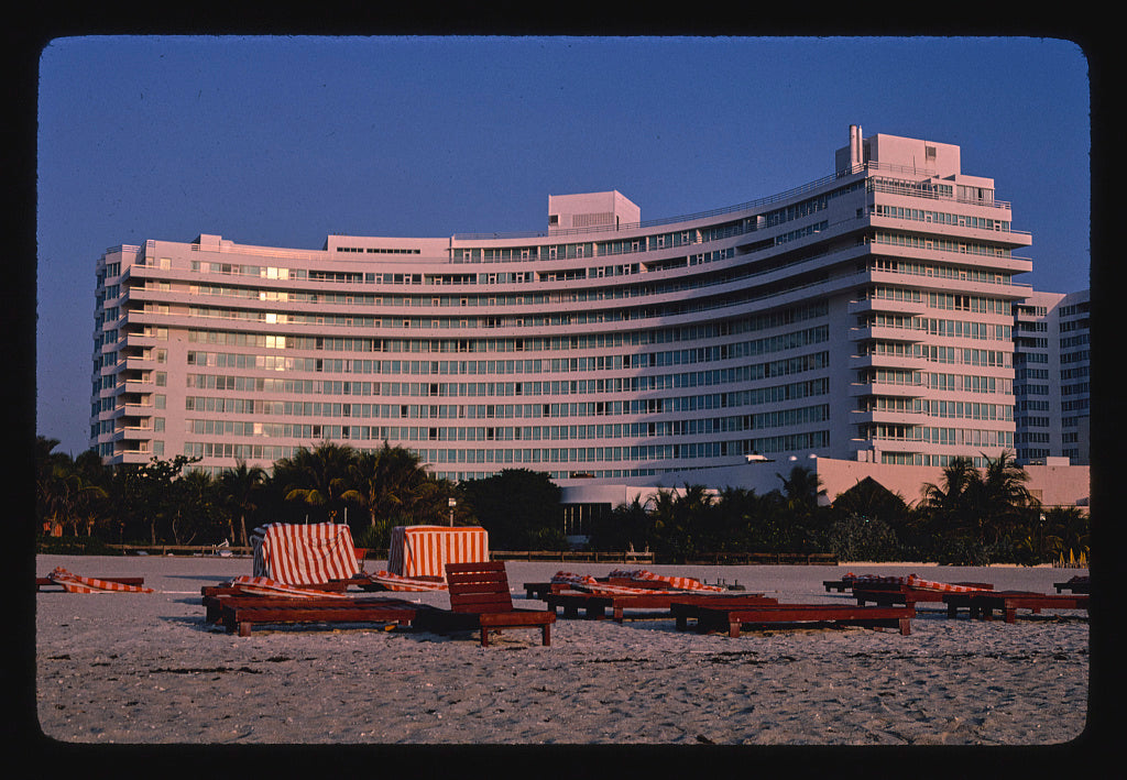 8 x 12 Photo of Fontainebleau Hilton, Miami Beach, Florida 1982 Margolies, John 47a