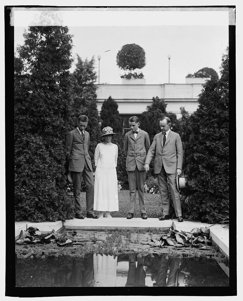 16 x 20 Gallery Wrapped Frame Art Canvas Print of Coolidge & family, 9/2/23 1923 National Photo Co  13a