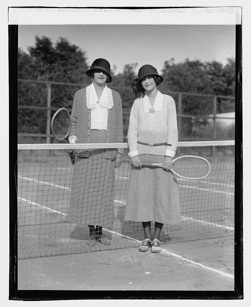 16 x 20 Reprinted Old Photo ofInga & Laura Bryn, 9/13/23 1923 National Photo Co  22a