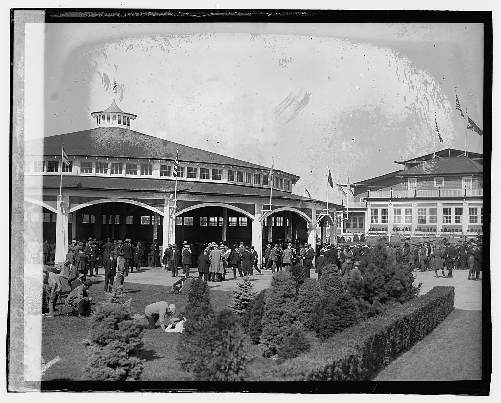16 x 20 Gallery Wrapped Frame Art Canvas Print of Paddock, Laurel 1923 National Photo Co  48a