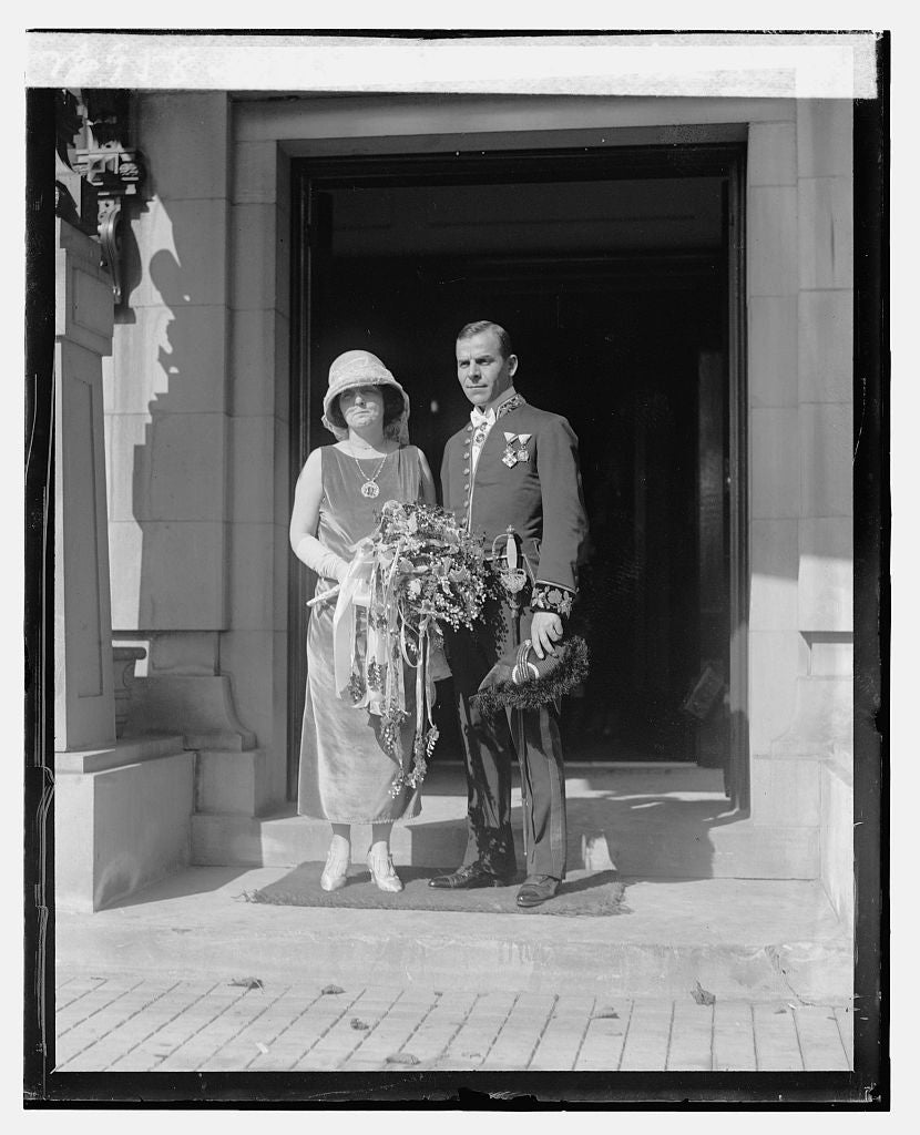 16 x 20 Reprinted Old Photo ofDr. P. Lessinoff & wife, 10/17/23 1923 National Photo Co  18a