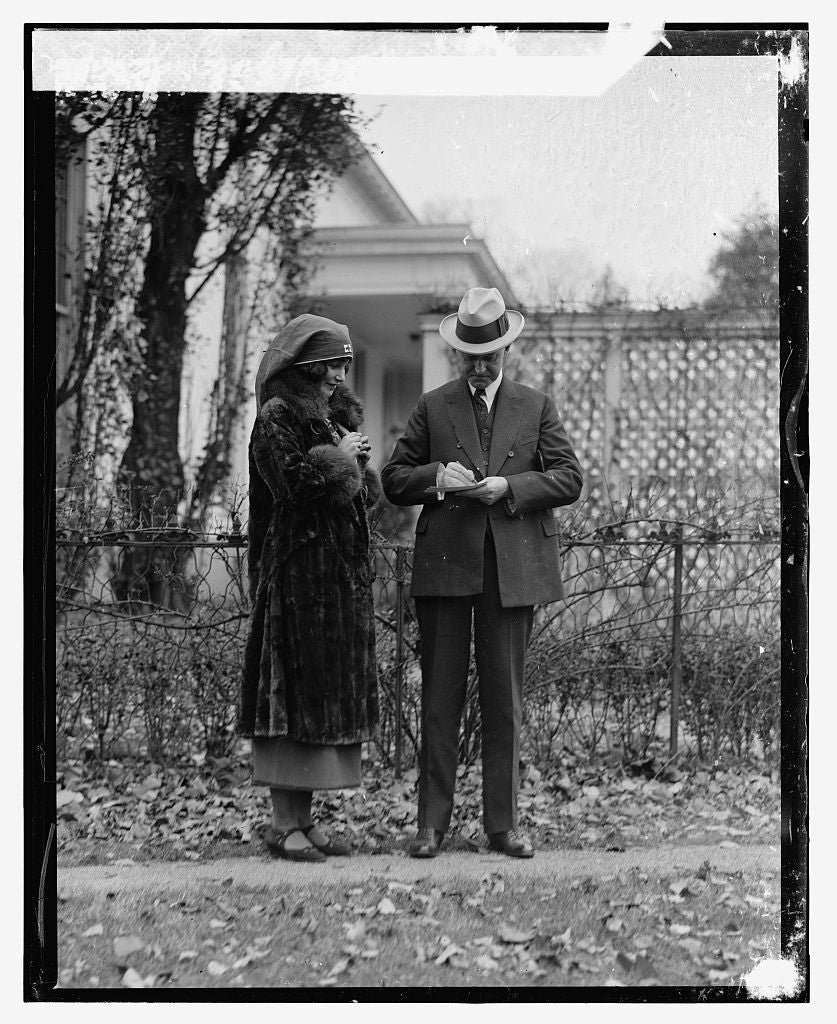 16 x 20 Reprinted Old Photo ofCoolidge & Miss Moffett, 11/8/23 1923 National Photo Co  54a