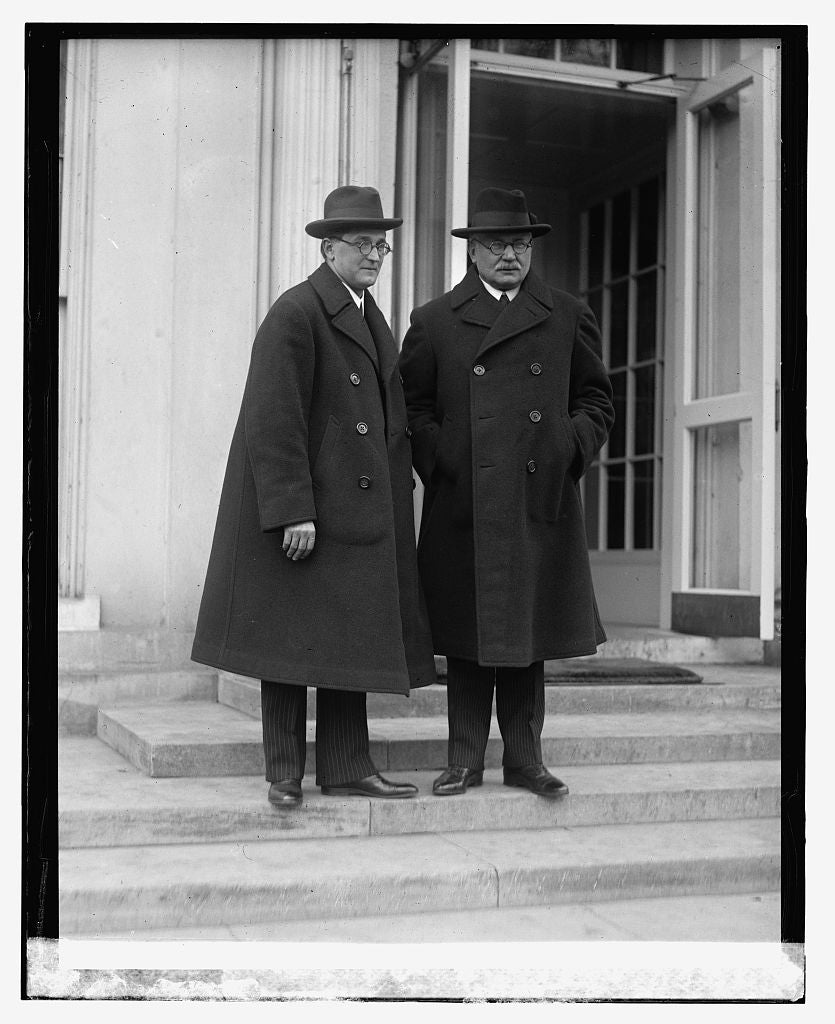 16 x 20 Reprinted Old Photo ofDr. T. Manle, Dr. V. Grotan 1923 National Photo Co  63a