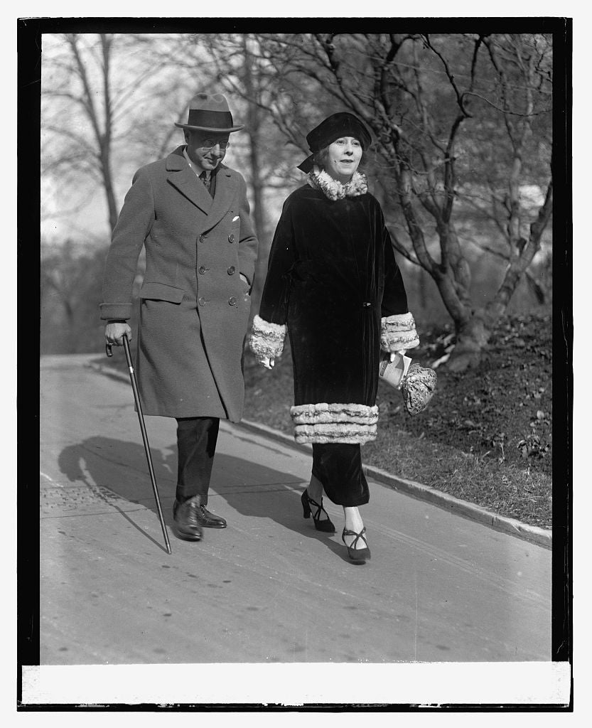 16 x 20 Reprinted Old Photo ofMr. & Mrs. Jesse L. Laskey, 12/15/23 1923 National Photo Co  49a